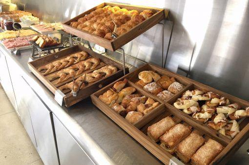 Alturas-buffet-desayuno-madera-lumiere-fsba-6004